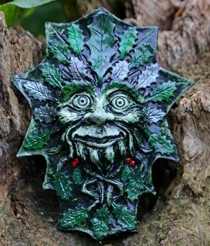 jolly-holly-green-man-sculpture