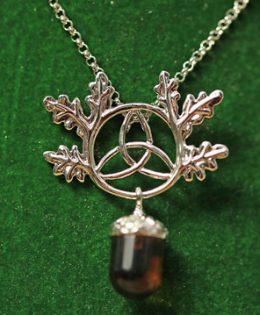 celtic-oak-necklace