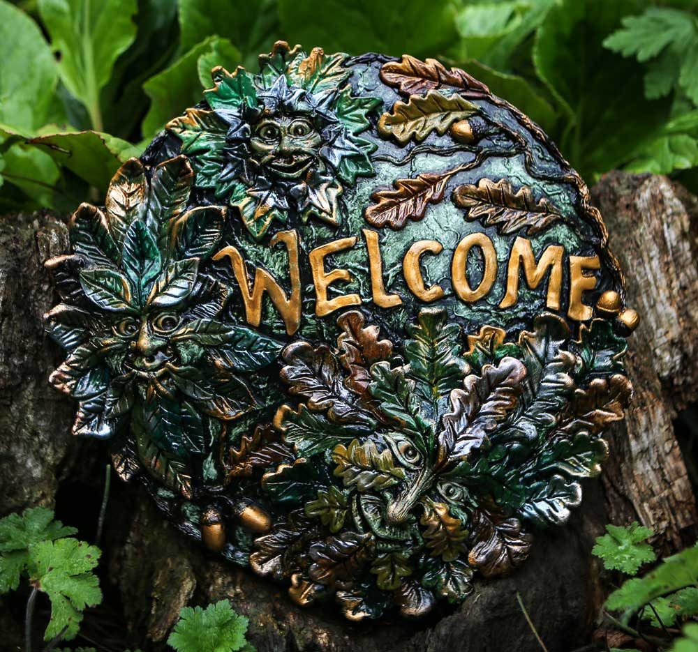 larger-green-man-welcome-plaque