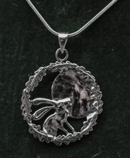 moon-gazing-hare-silver-pendant