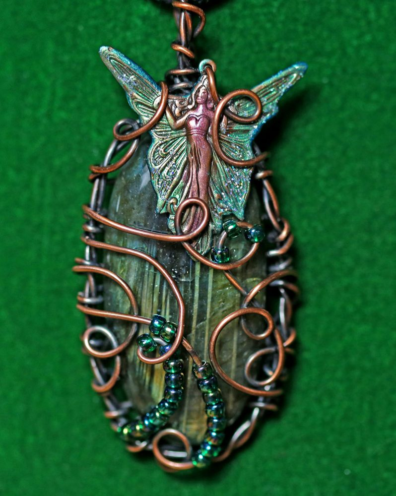 magical-fey-pendant