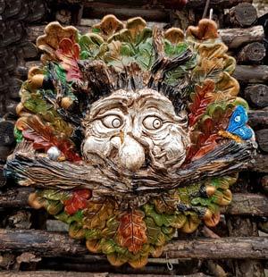merri-green-man-wall-plaque