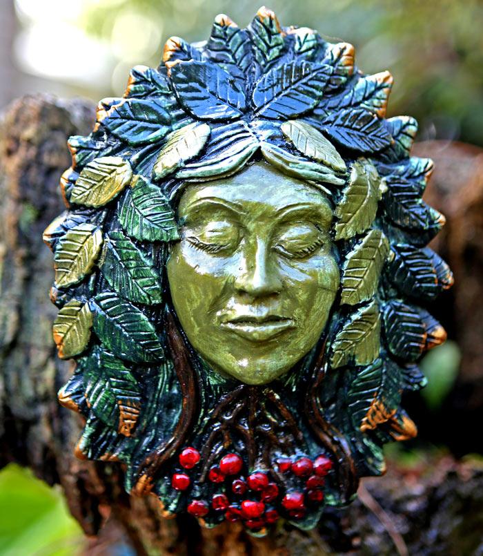 rowan-green-lady
