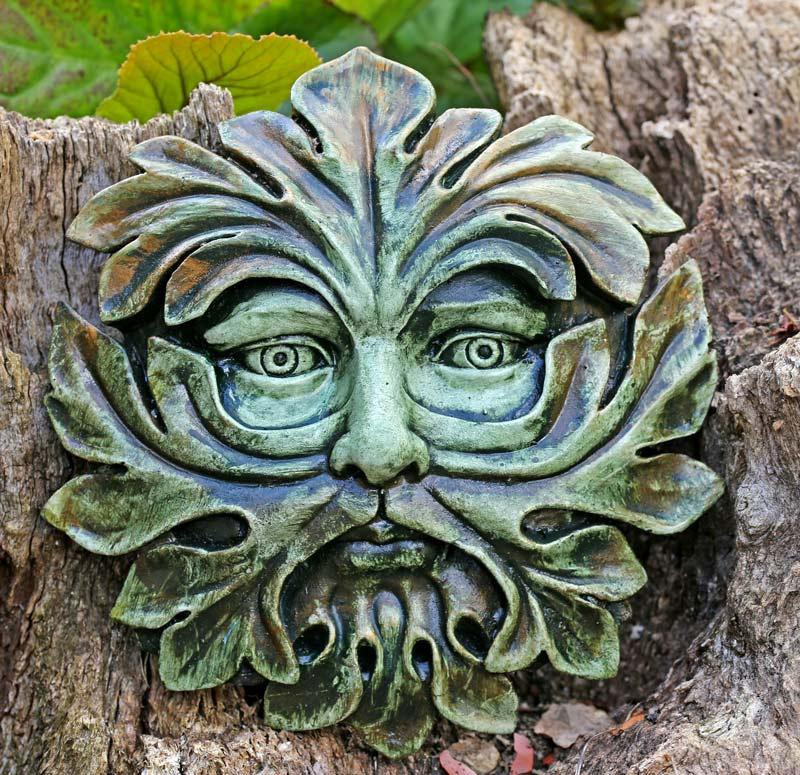abbey-green-man-sculpture