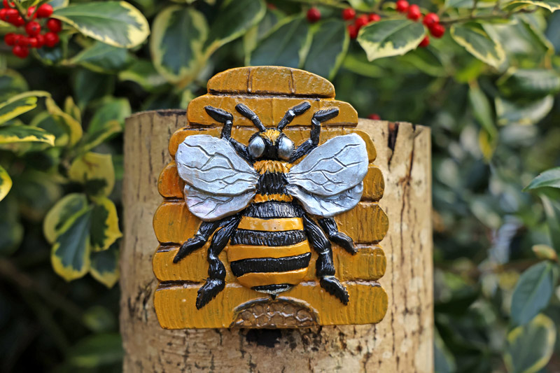bella-bee-sculpture